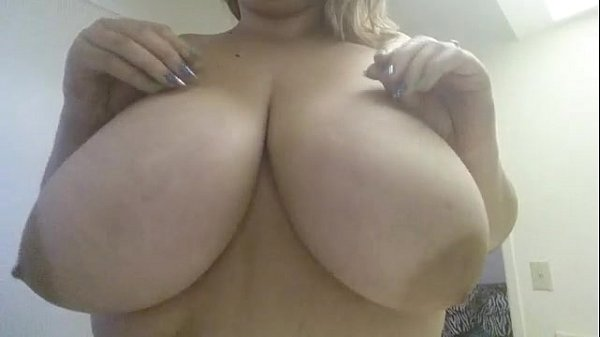 Playing with 40G Boobs
