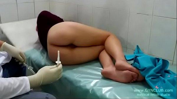 Видео медицинский клизмы фетиш