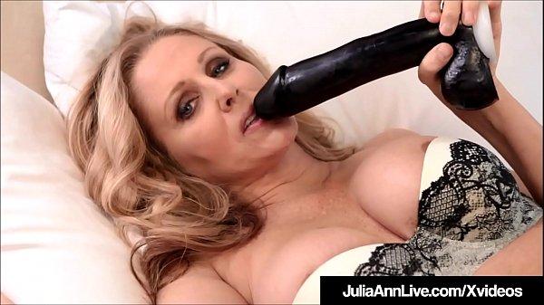 Incredibly Hot Milf Julia Ann Pussy Fucks Black Dildo! Thumb