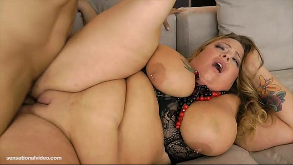 BBW Jenna Divyne Fucks Voters For Reelection