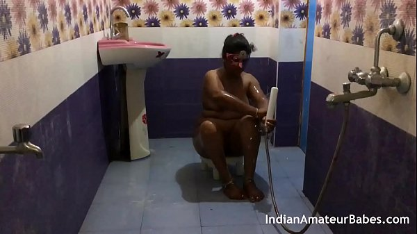 Indian wife fuck with friend absence of her husband in shower Thumb