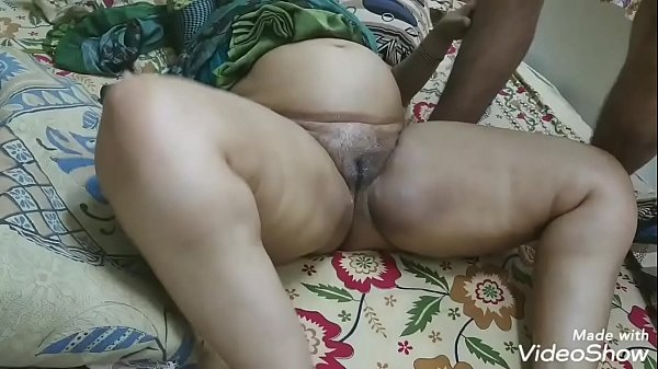 BROTHER-IN-LAW SPIT ON PUSSY AND MASSAGED HER SISTER PUSSY AND THAN FUCKED Thumb