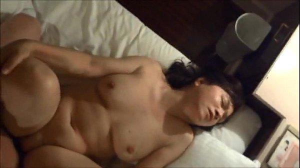 Horny japanese milf kui somya hard fucking and creampie