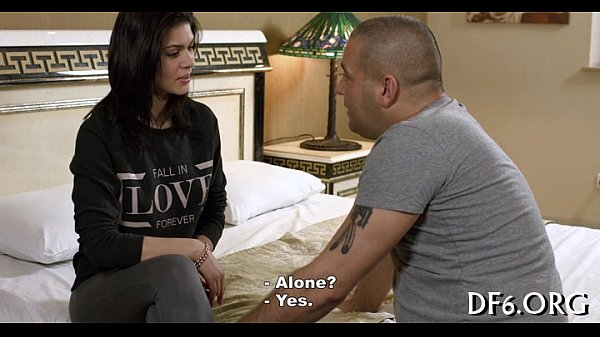Порно видео девствинница скачать