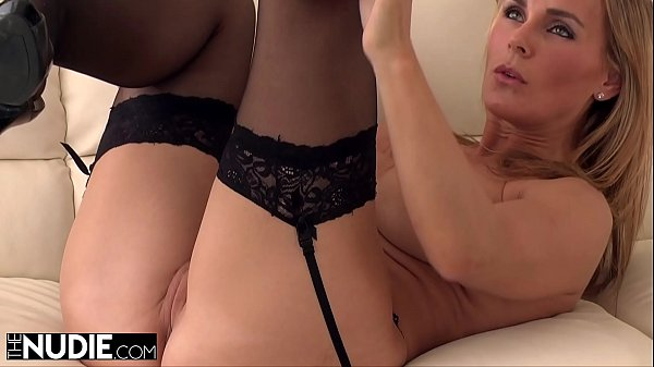 MILF Loves Rubbing Her Pussy Before Getting Fucked Thumb