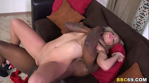 Madelyn Monroe Tries Anal with Black cock Thumb