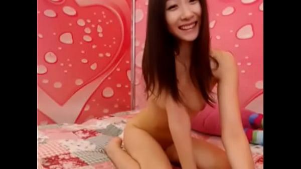 世間知らずな女子高生がM字開脚でおまんこを舐め合う変態レズ行為の校生系動画