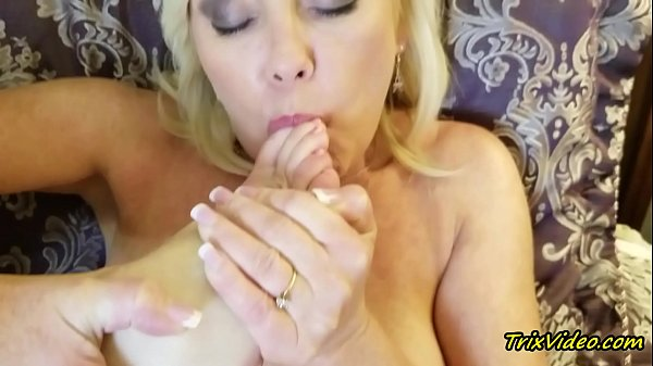 Milf Masturbation and Toe Sucking Orgasms with Ms Paris Rose Thumb