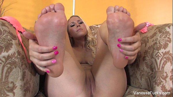Vanessa Cage foot fetish