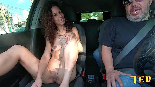 Na carona do Ted #40 temos uma estreante no pornô - Valentina Souza 1
