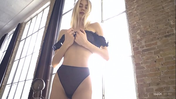 Busty Blonde Nancy A showing off her perfect pussy for Nudex Thumb