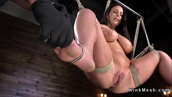 Monster tits slave gets caned in bondage Thumb