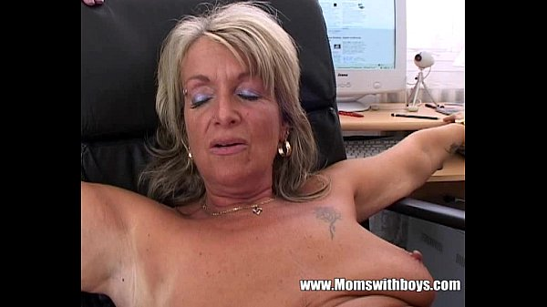 Blonde Mature Office Boss Anal Fucked By Applicant Thumb