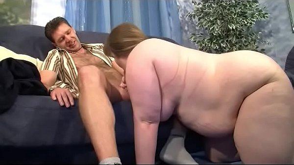 Kleine fette Sau wird vom Partner gefickt