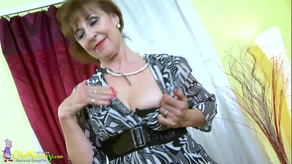 OldNannY Hot Horny Grandma Seductive Striptease Thumb