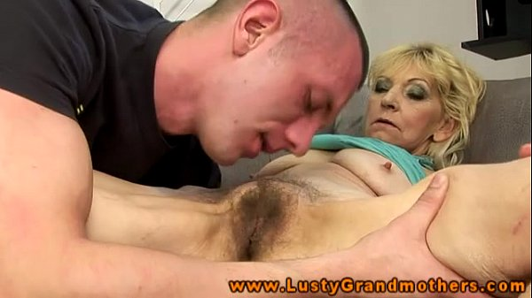 amateur matire wife getting pussy licked