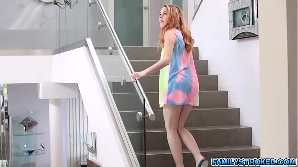 Gold digger Amarna Miller fucks with rich uncle Thumb