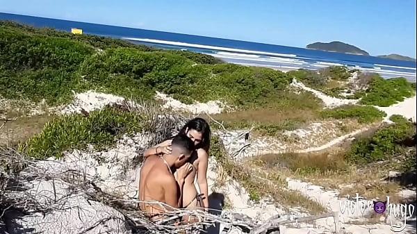 Turista Pede Informação e Ganha Foda Gostosa Na Praia ( COMPLETO NO RED ) Thumb