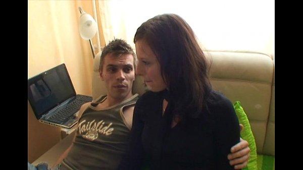 силой русская молодая парочка снимает свой секс него тут даже