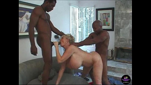 Kayla Kleevage, Billy and Silvio in