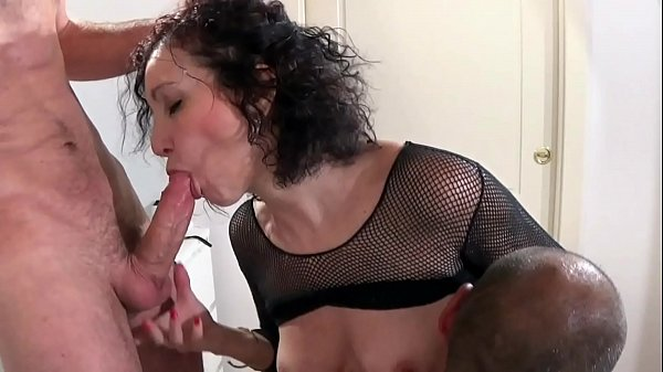 Italian whore brunette make homemade threesome