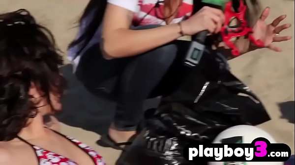 Sexy amateur busty teen got fucked in a car for money