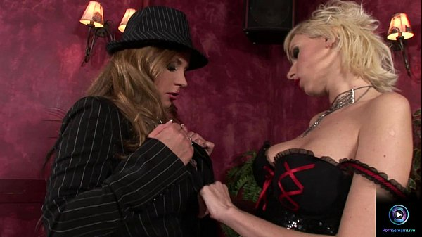 Dorothy Black and Alexis dildoing their yummy pussies