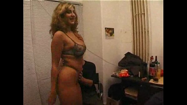 amateur milf does a casting