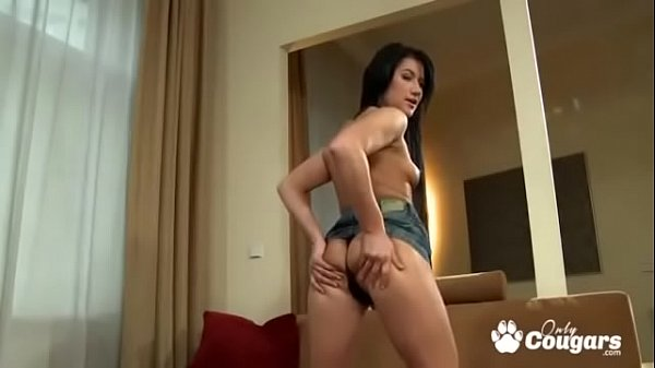 Lucy Bell Gets A Messy Anal Creampie