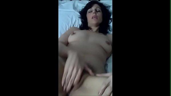 Порно жену ебьет с увеличителем