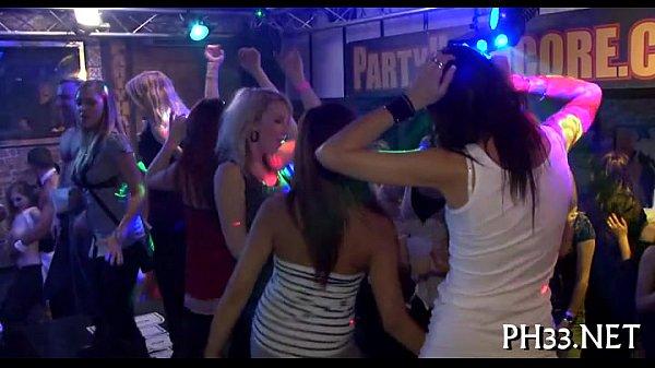 Порно вечеринки кончали клубы