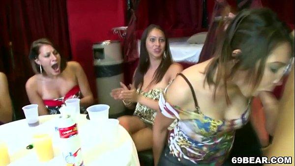 Crazy blowjob party Thumb