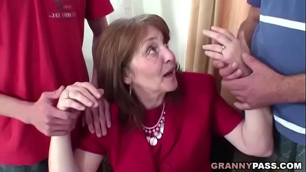 Очень старые очень женщины секс