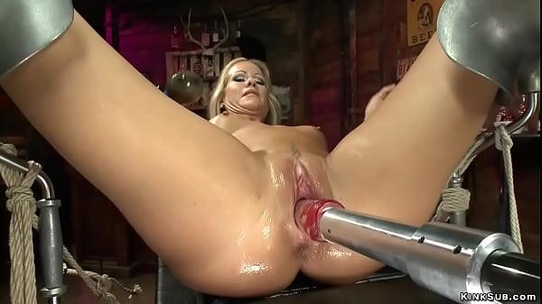 MILF Simone Sonay fuck dp machine