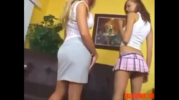 Порно доця трахает маму
