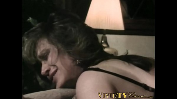 Classic mature takes it in her tight ass before a facial Thumb
