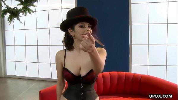 Gorgeous mistress, Evie Delatosso looks hot and likes to masturbate Thumb