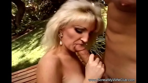 Porno marito piace guardare come cazzo moglie