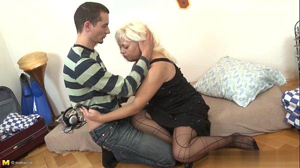 Секс с красивой девушкой блондинкой