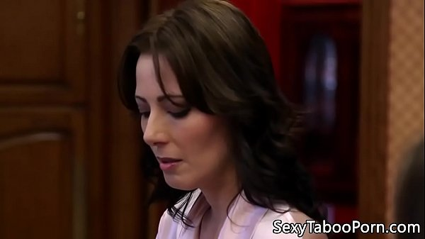 Housewife milf pussy fucked in taboo couple Thumb