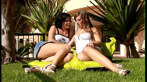 Порно видео молодых девочек целок