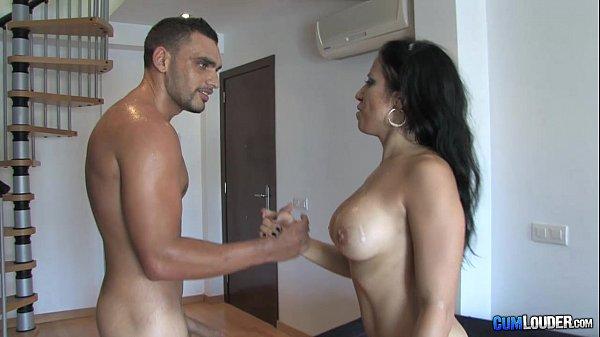 Gigi Love la animadora catalana - Horny Spanish...