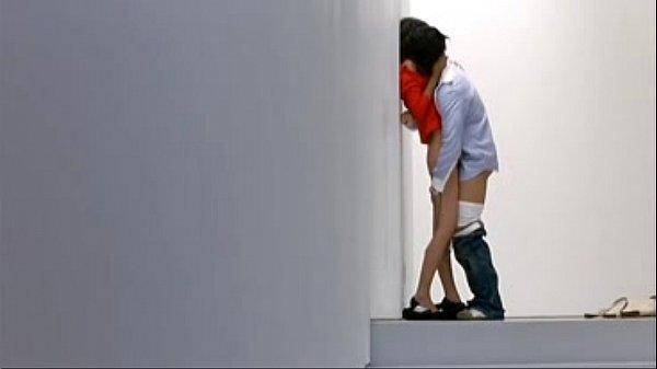 Видео девушка скачет на самотыке