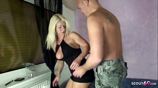 German Wife Seduce to Quick Creampie before Fam...