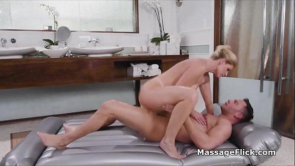 Oily sex massage with mesmerizing MILF Thumb