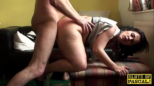 Порно монашка трахает телку огурцом