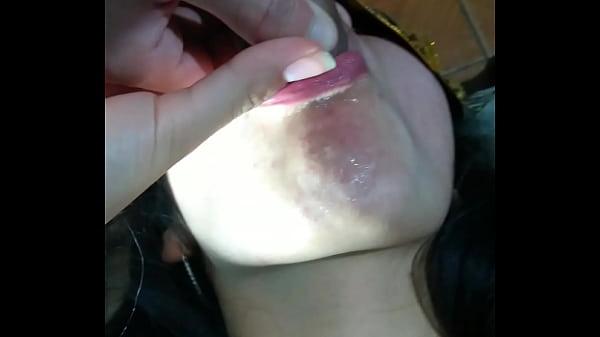 סרטון פורנו Hermosa pendeja argentina chupando pija y tragando leche