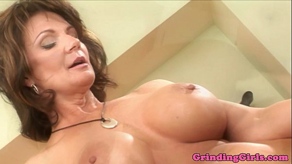 Kristal Summers fingered by Deauxma