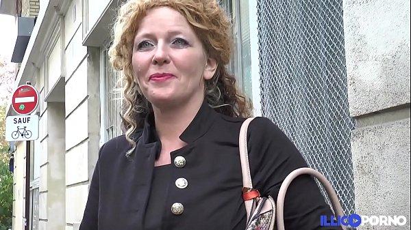 Cette bonne mère de famille prend sodo et double péné [Full Video] Thumb