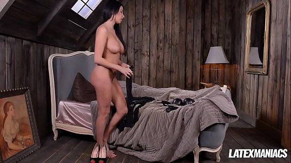 Latex Dominatrix Anissa Kate Slaps & Sucks Dick of Crossdressed Boyfriend Thumb